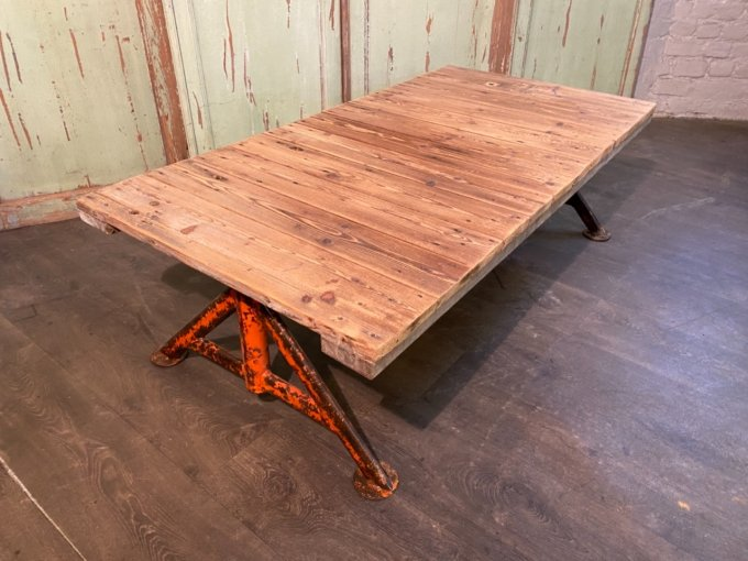 Table basse pieds industriels